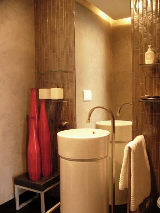 1° floor apt - guest bathroom