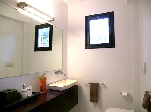 beside apt on 2 floor - guest bathroom