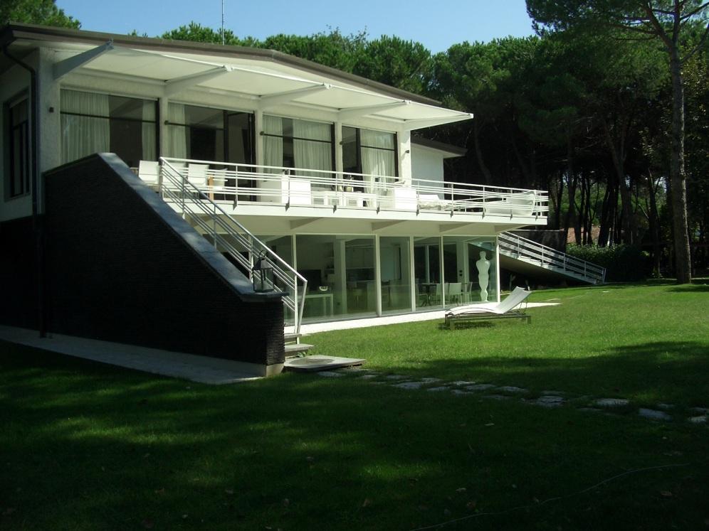 Esterni -Villa & pine forest of the property