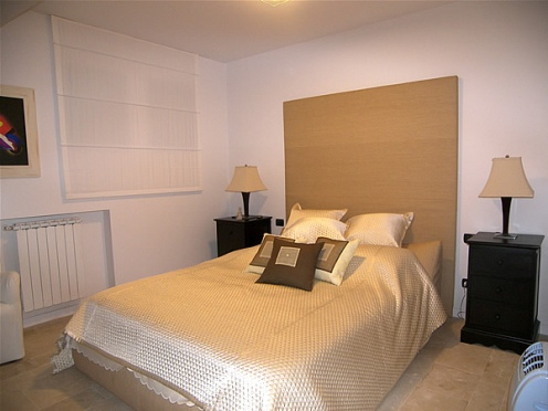 villa_bedroom1